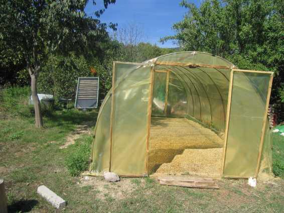 chauffage au bois et chauffe eau solaire. Black Bedroom Furniture Sets. Home Design Ideas